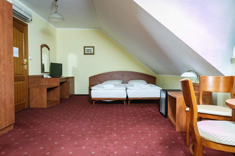 pokoje czteroosobowe w hotelu bastion