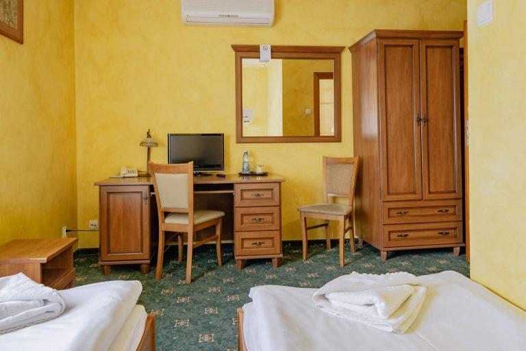 kostrzyn noclegi w hotelu
