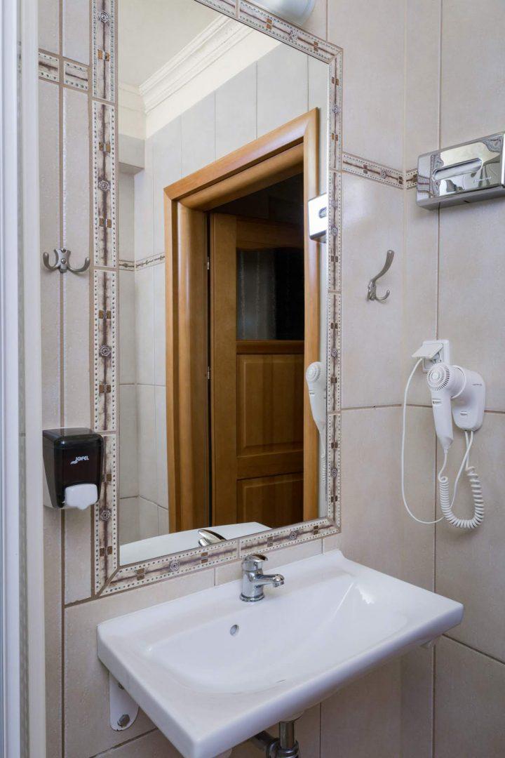 łazienki w hotelu bastion